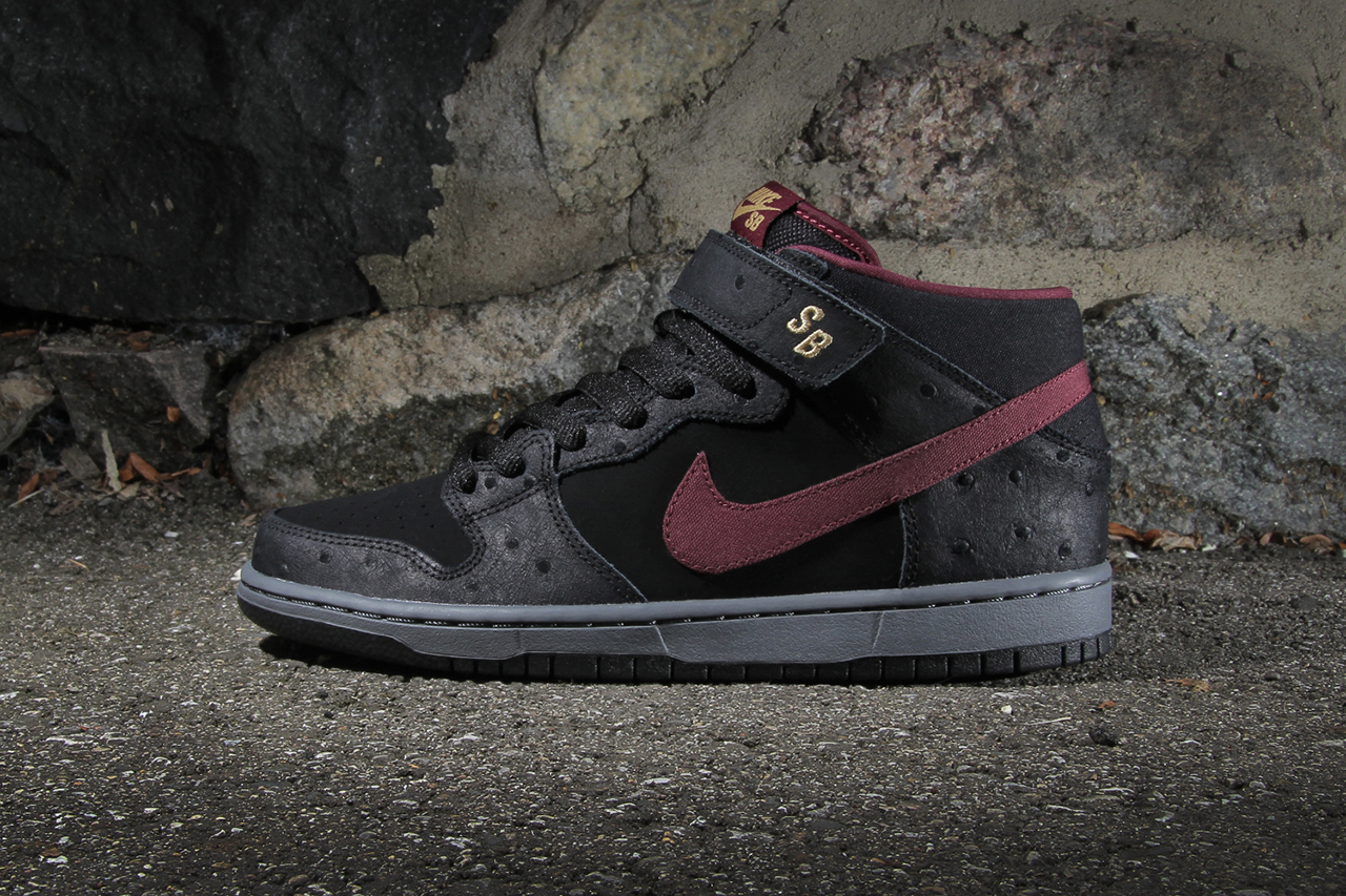 Nike SB Dunk Mid Pro Black/Light Graphite-Cherrywood Red