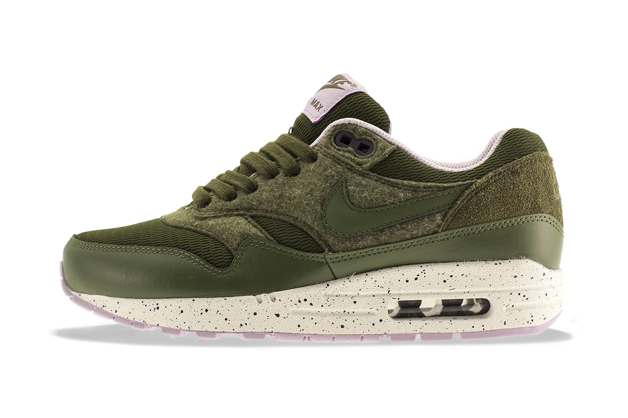 nike wmns air max 1 dark lodenmedium olive