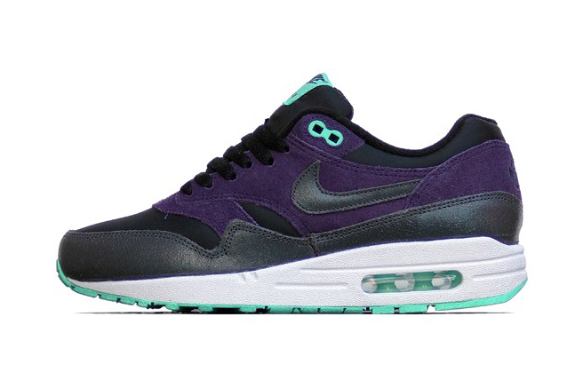 nike wmns air max 1 essential blackanthracite purple dynasty green glow