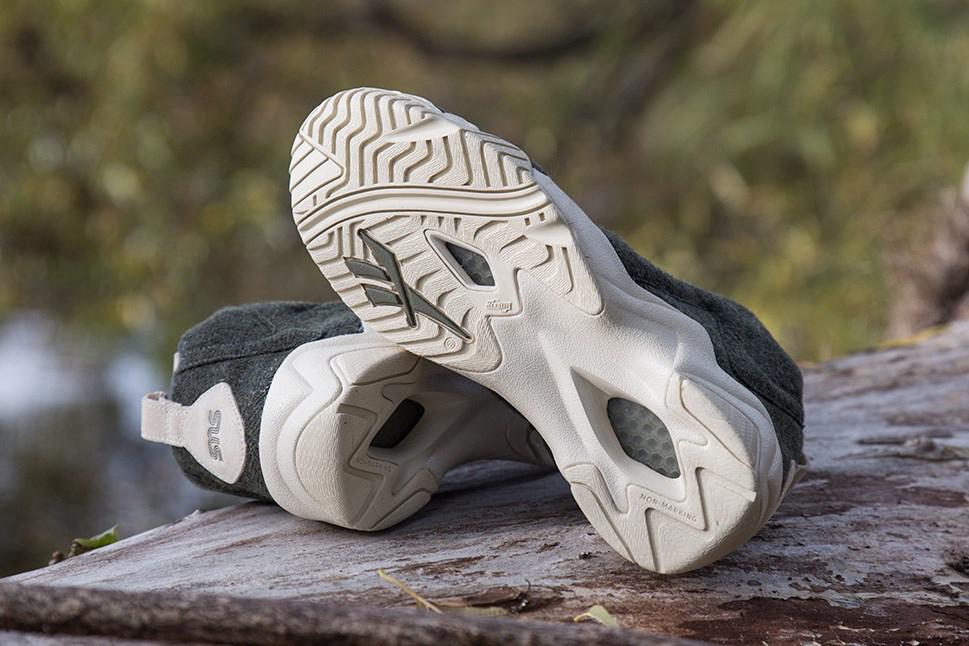 """Sneakersnstuff x Reebok Kamikaze II Mid TXT """"Herringbone"""""""