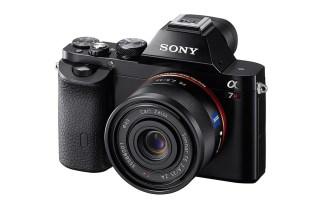 Sony Unveils Two New Full Frame Mirrorless Cameras with the A7 and A7R