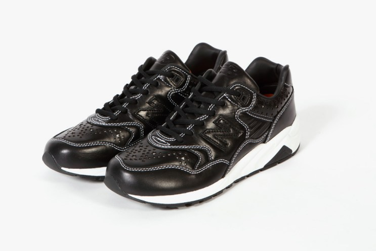 A Closer Look at the WHIZ LIMITED x mita sneakers x New Balance 2013 Fall/Winter MRT580