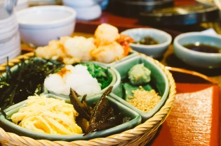 HYPEBEAST Road Trips Japan: Eats at the 548-Year-Old Honke Owariya in Kyoto