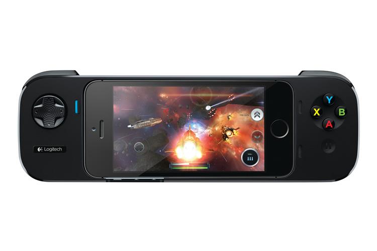 Logitech's Powershell Turns iPhones Into Powerful Gaming Handhelds