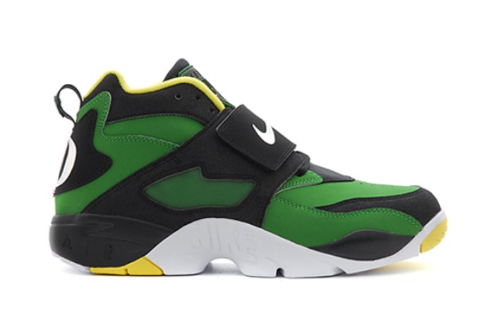 "Nike Air Diamond Turf ""Oregon Ducks"""