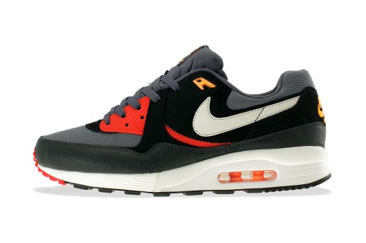 "Nike Air Max Light Essential ""Black Pine"""
