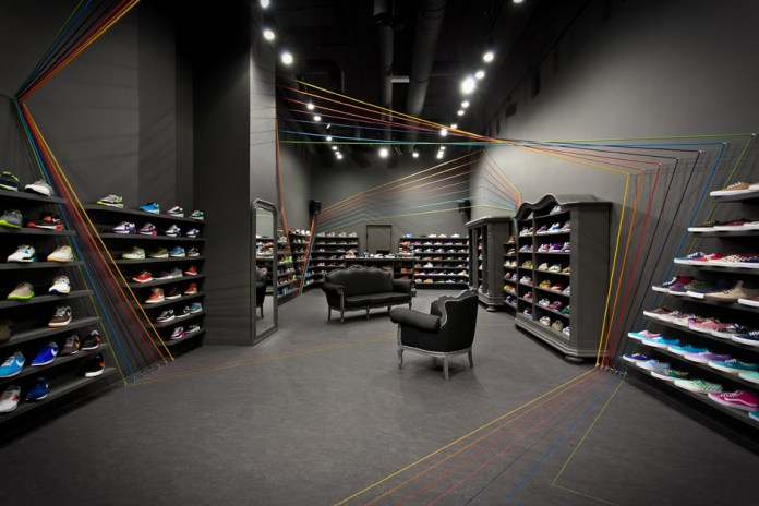 mode:lina Designs New Run Colors Sneaker Shop in Poznań, Poland