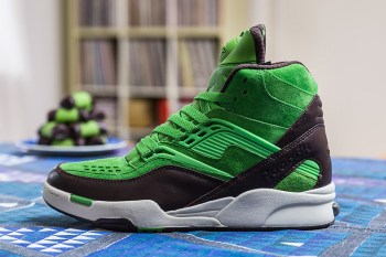"Sneakersnstuff x Reebok Pump Twilight Zone ""Punschrulle"""