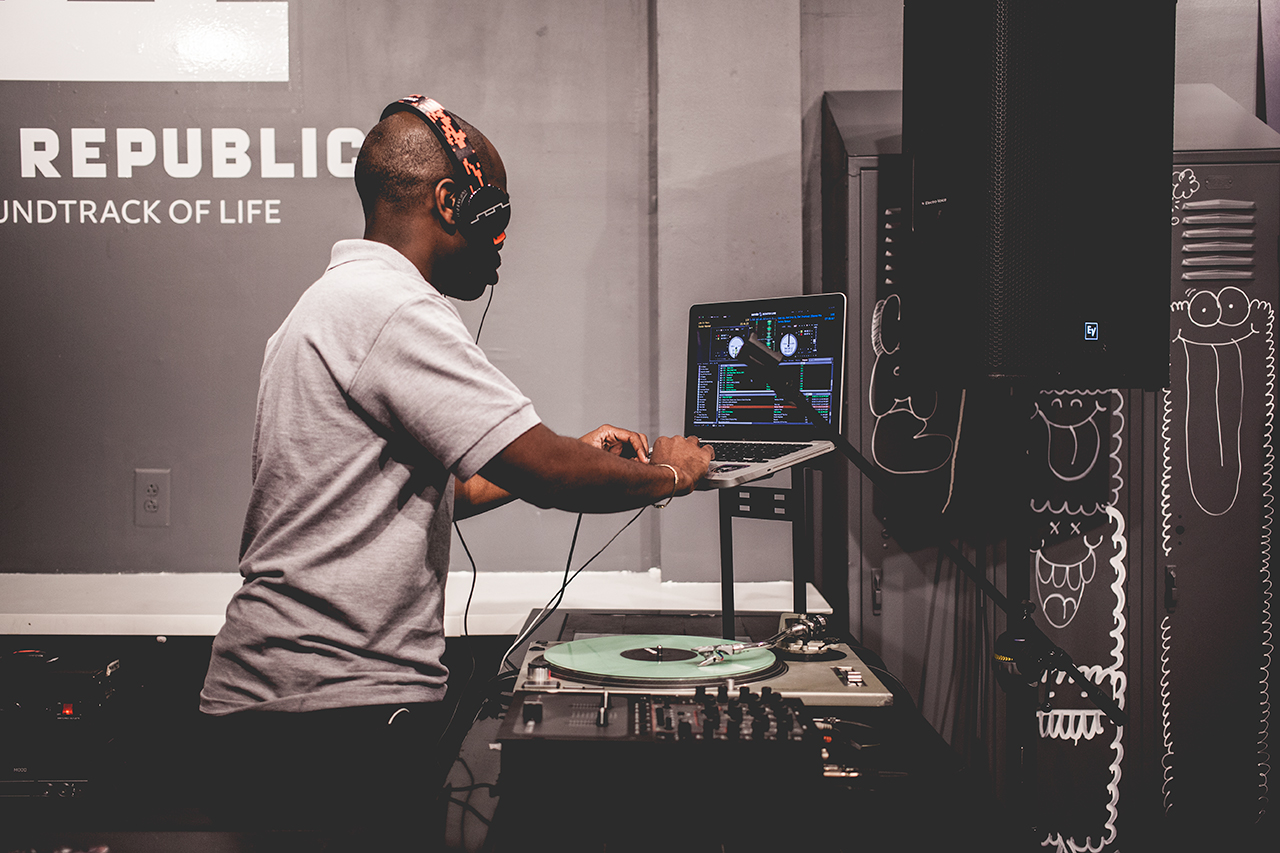 ubiq x sol republic tracks v8 woodgrain launch recap