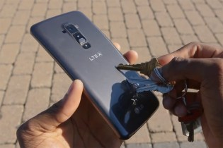 Watch the LG G Flex Heal Its Own Scratches