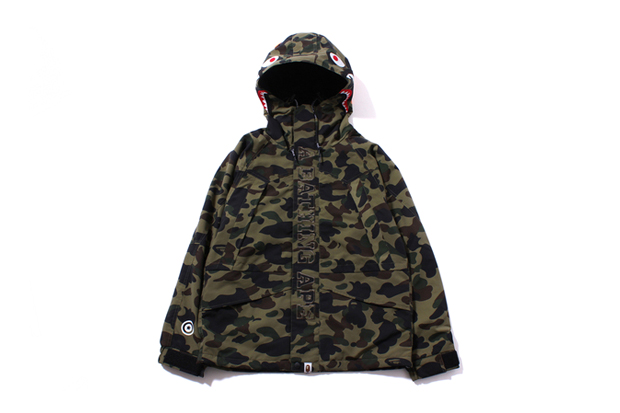 A Bathing Ape 1ST CAMO SHARK SNOW BOARD JACKET