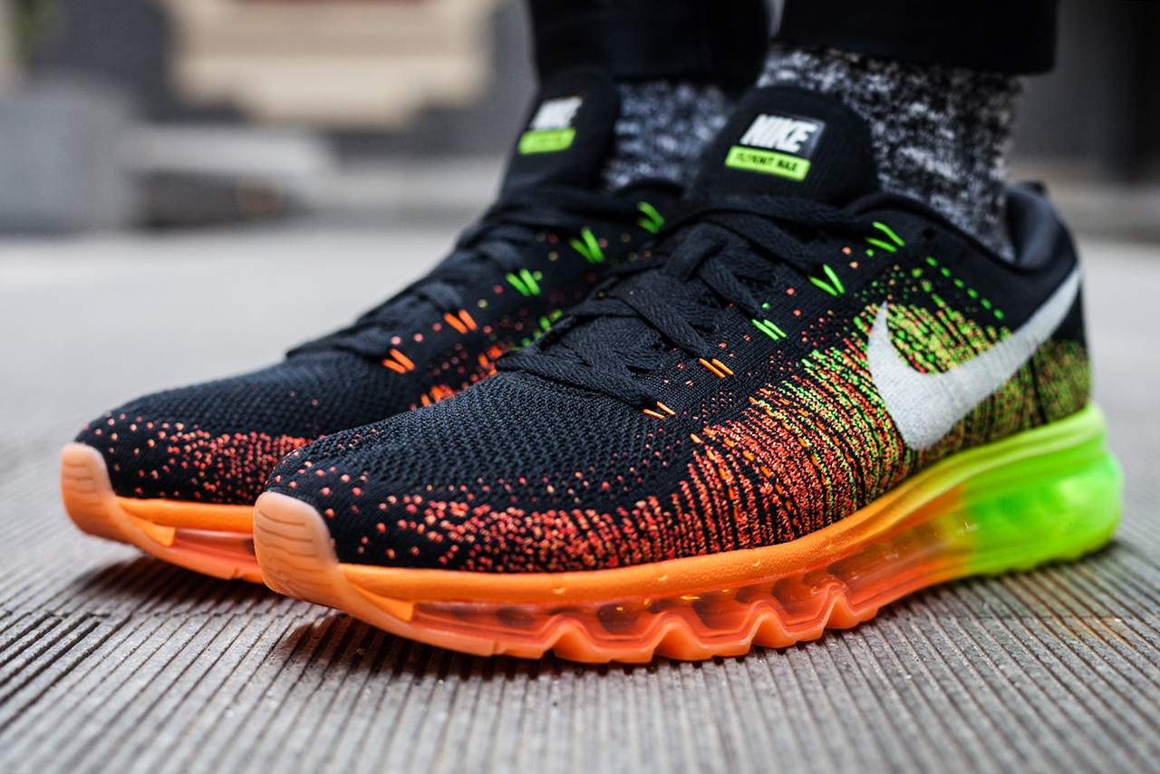 a closer look at the nike flyknit air max
