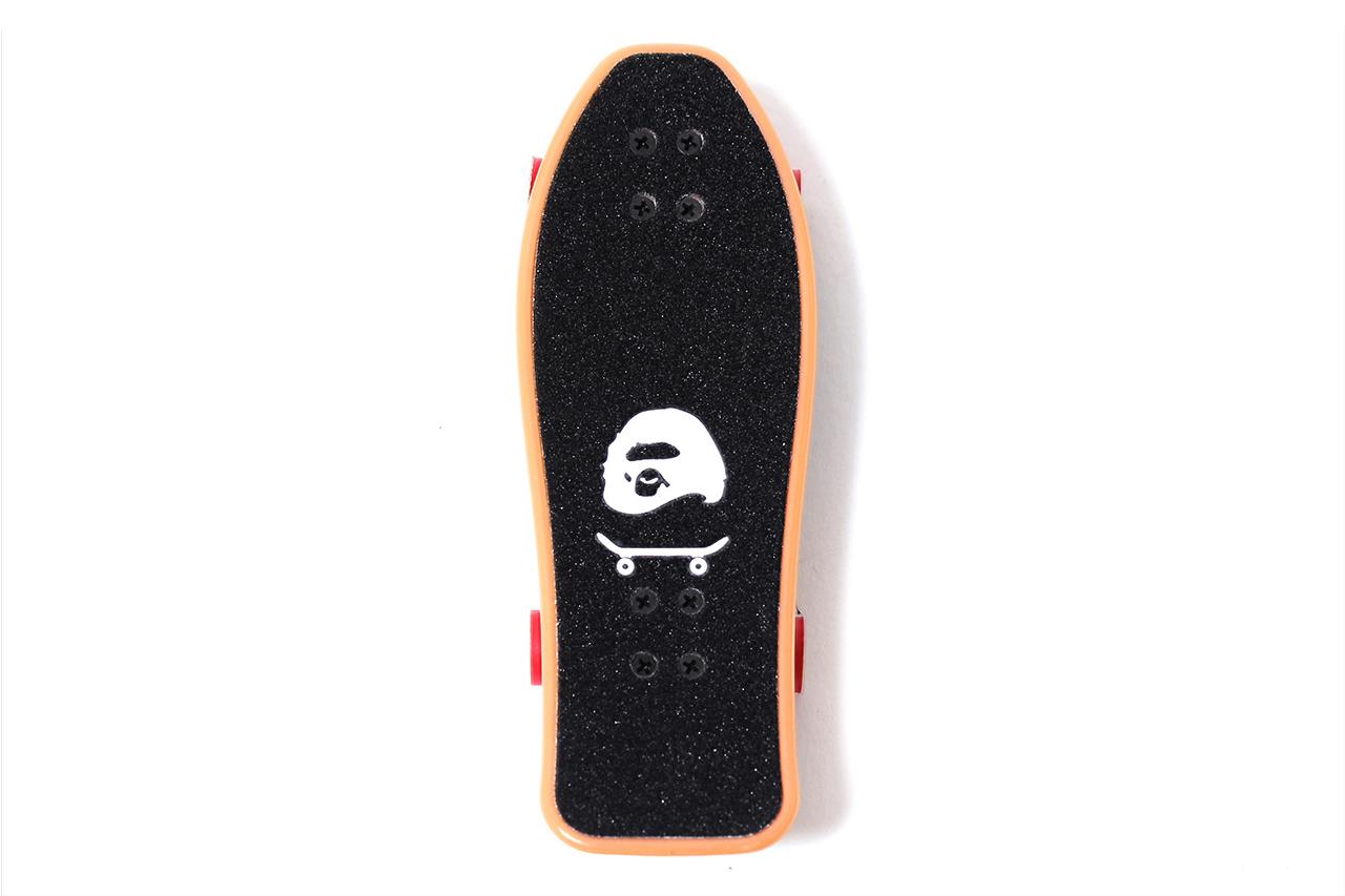 A SKATING APE Special Novelty Fingerboard
