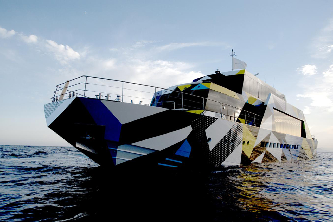 dakis joannous guilty yacht by jeff koons and ivana porfiri