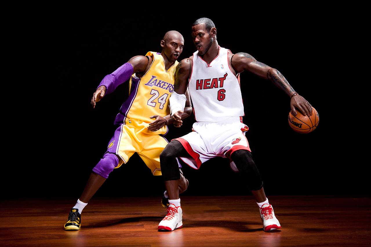 ENTERBAY Real Masterpiece NBA Collection - Kobe Bryant and LeBron James