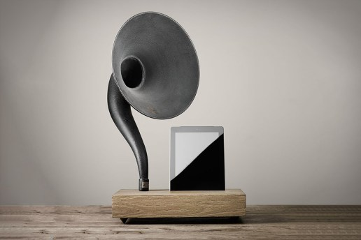 Gramophone iPhone and iPad Speaker