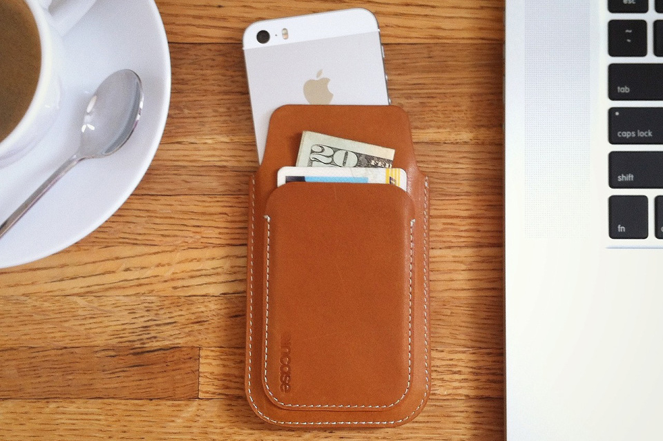 Incase iPhone 5 Leather Pouch
