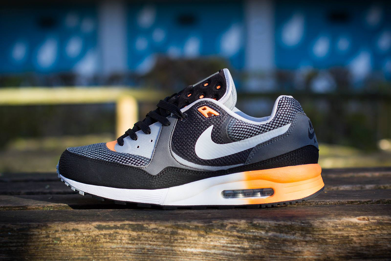 Nike Air Max Light C1.0 Black/Wolf Grey-Atomic Orange-Metallic Silver