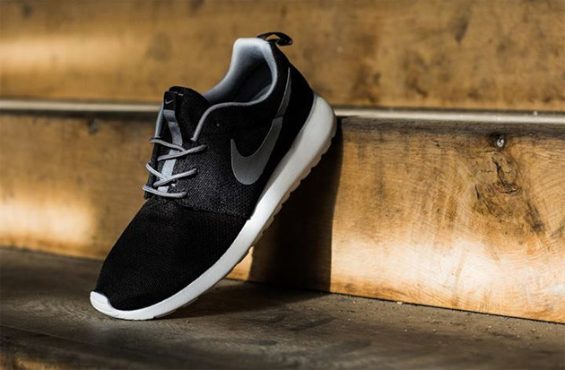 Nike Roshe Run Black/Grey