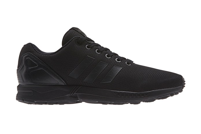 "adidas Originals 2014 Spring/Summer ZX FLUX ""Black Elements"" Pack"