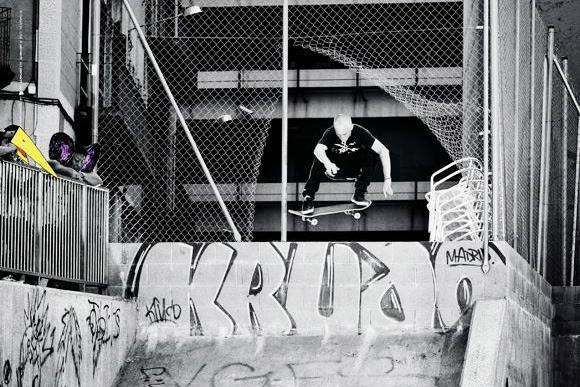 "Carhartt Work In Progress x Kingpin Magazine ""Time Chase"" Video featuring Phil Zwijsen"
