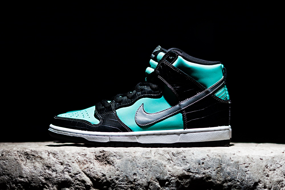 "Diamond Supply Co. x Nike SB Dunk High ""Diamond"" Preview"