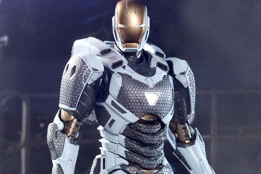 "Marvel Iron Man 3 Mark XXXIX ""Starboost"" Collectible Figure"