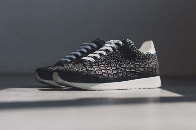 KRISVANASSCHE 2014 Spring/Summer Black Crocodile Pattern Low Sneakers