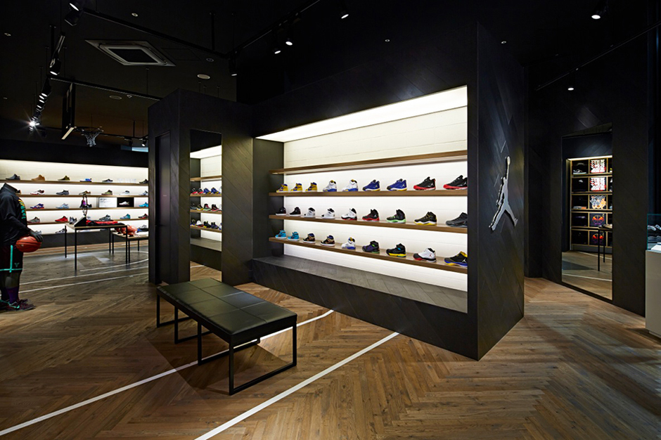 nike basketball store in japan by specialnormal hypebeast. Black Bedroom Furniture Sets. Home Design Ideas