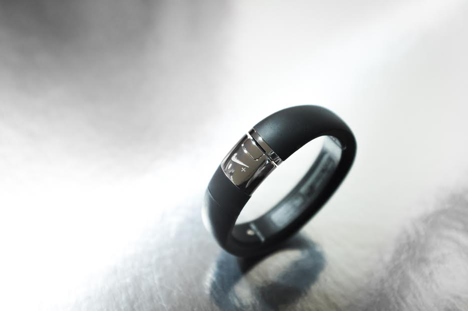 """Nike+ FuelBand METALUXE SE """"Silver Edition"""""""