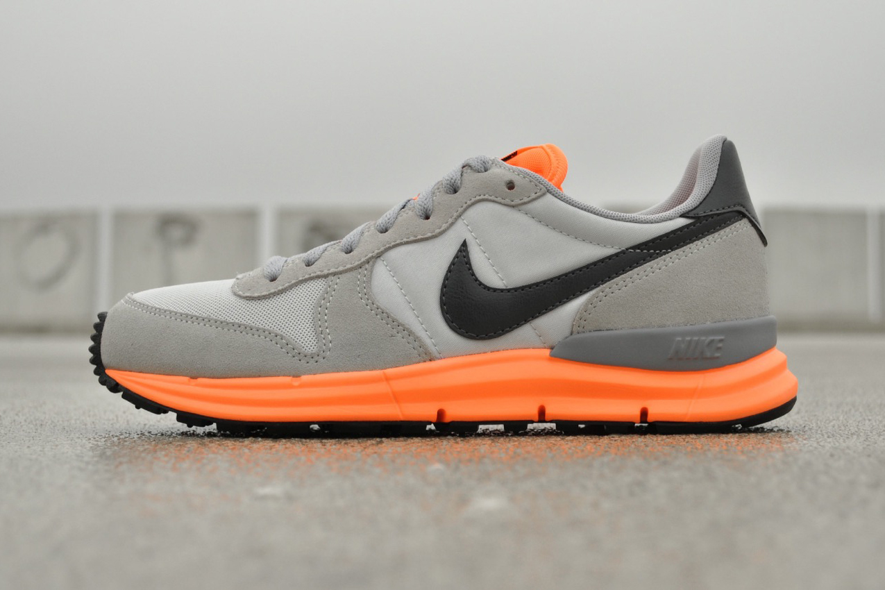 Nike Lunar Internationalist Light Base Grey/Dark Grey-Atomic Orange