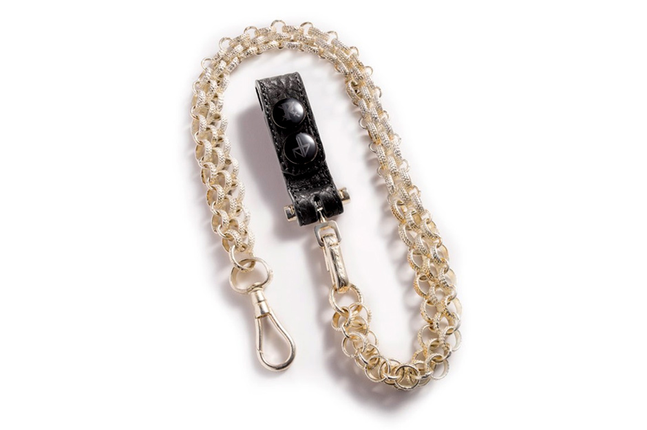 http://hypebeast.com/2014/1/parabellum-x-negative-vibes-templar-keychain