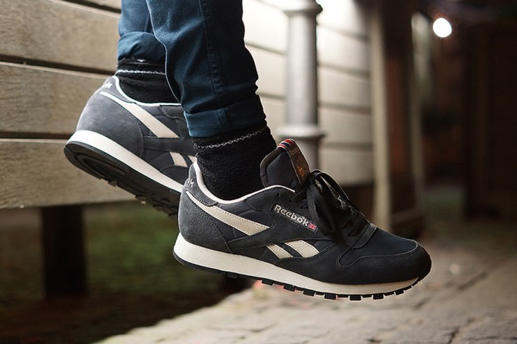 Reebok Classic Leather Vintage-Inspired Gravel/Graphite/Sandtrap