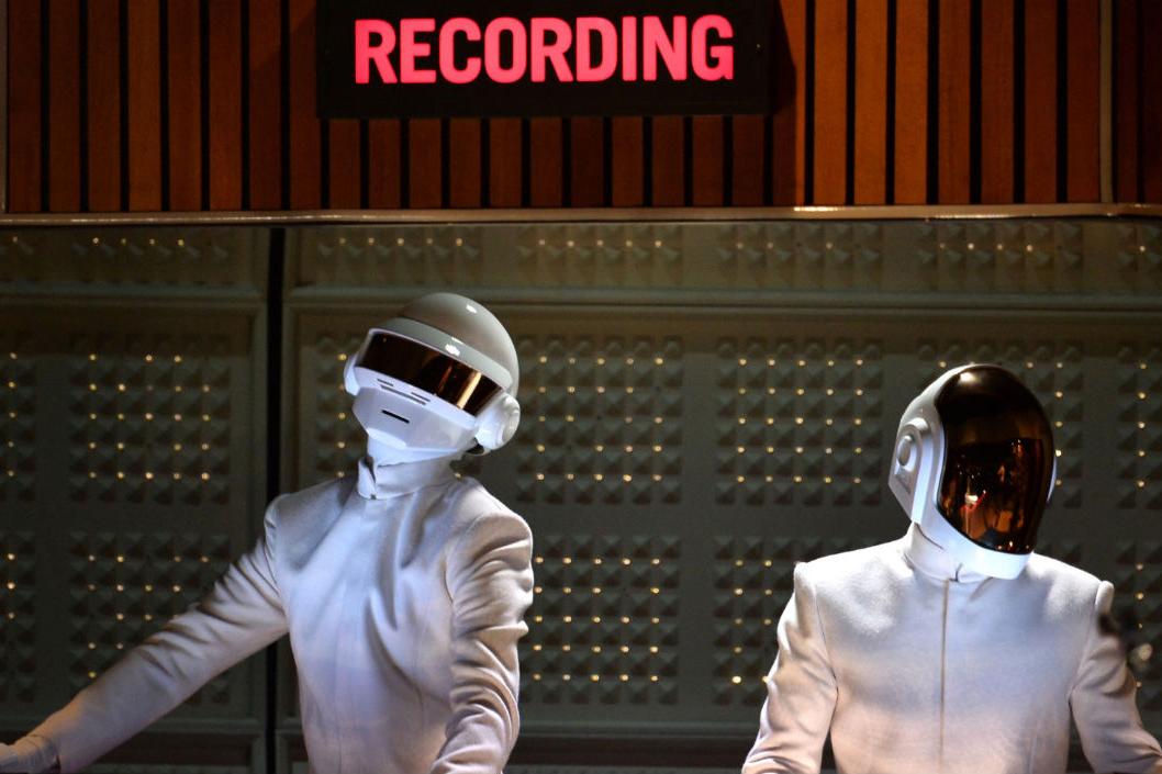 "Watch Pharrell, Daft Punk, Nile Rodgers & Stevie Wonder Perform ""Get Lucky"" @ The Grammys"