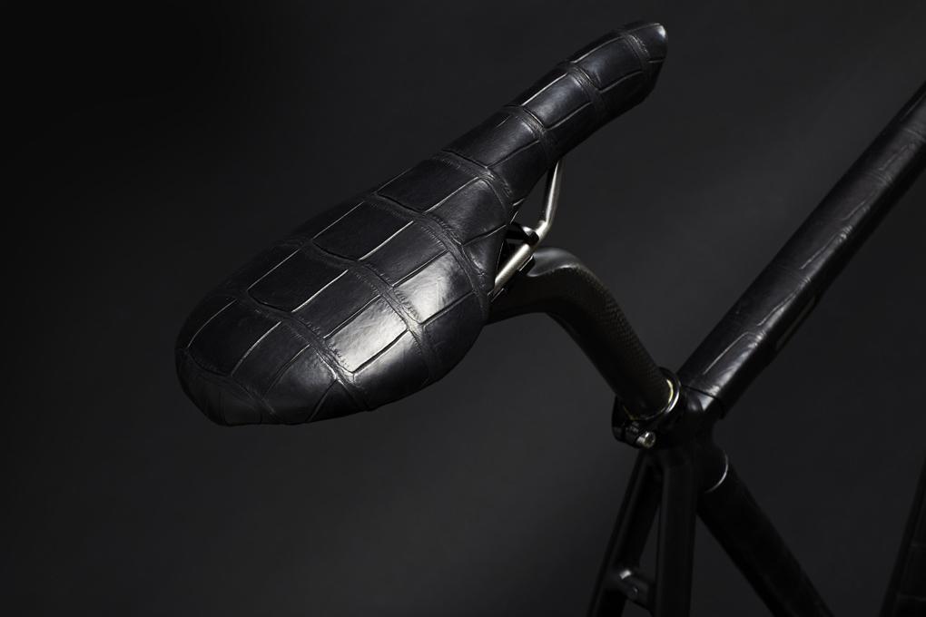 WLWC Crocodile-Wrapped Fixed Gear Bike