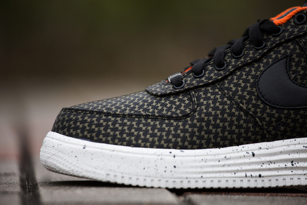 A Closer Look at the Undefeated x Nike 2014 Lunar Force 1 Pack