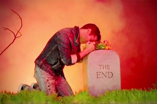 Andre Saraiva Presents Six Piss Under Trailer