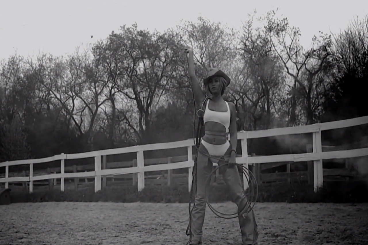 """Beyoncé featuring Jay Z & Kanye West """"Drunk In Love"""" Music Video Teaser"""