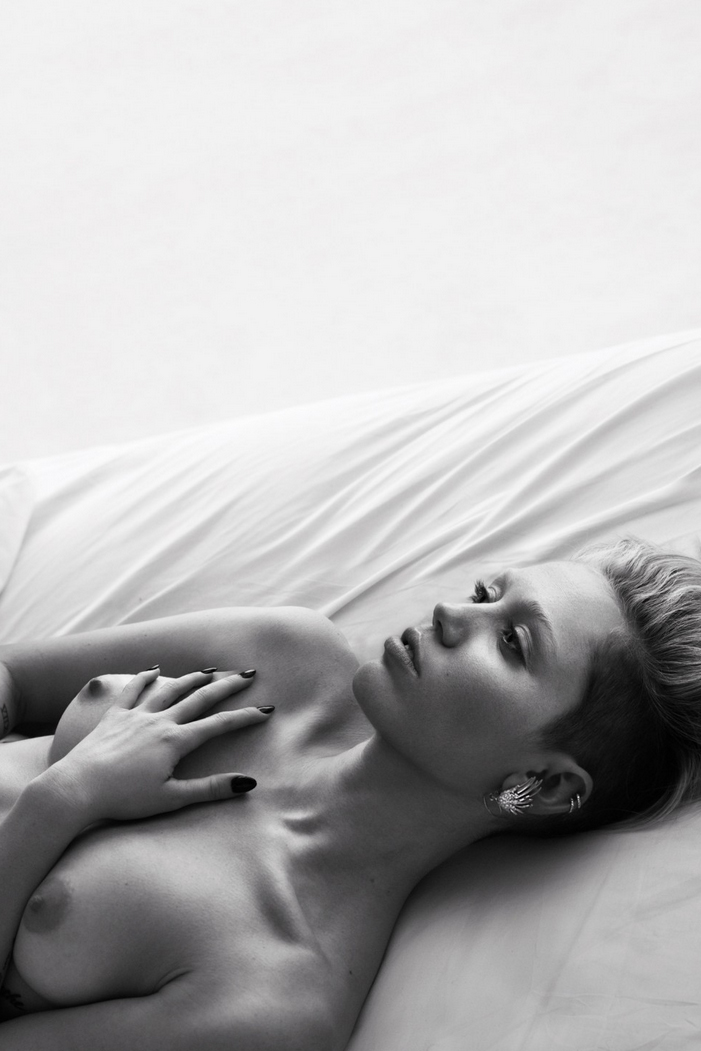 celebrities undress for w magazines pillow tweets editorial by mert marcus