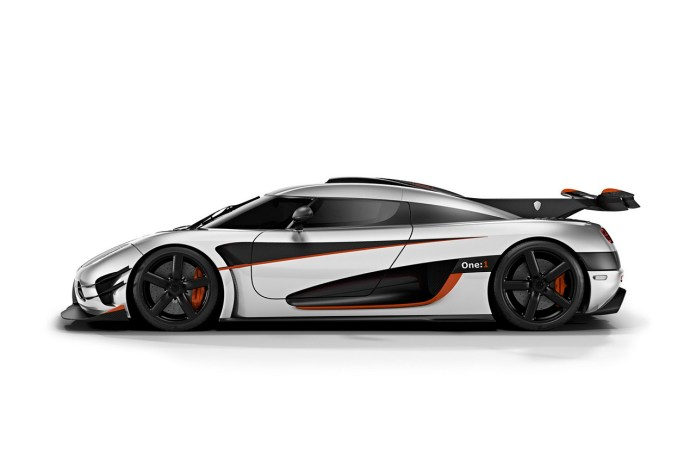 "Koenigsegg Reveals One:1 ""Megacar"""