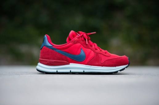 Nike Lunar Internationalist University Red/New Slate-Sea Spray