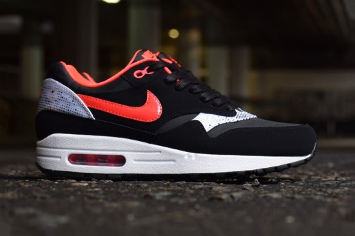 "Nike WMNS Air Max 1 ""Queen of Hearts"""