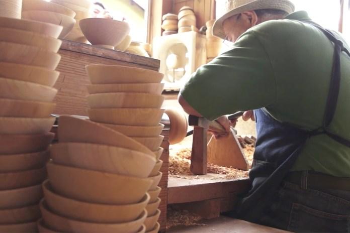 The Beautiful Processes of Elite Urushi Craftsmen