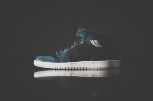 Air Jordan 1 Mid Black/Nightshade