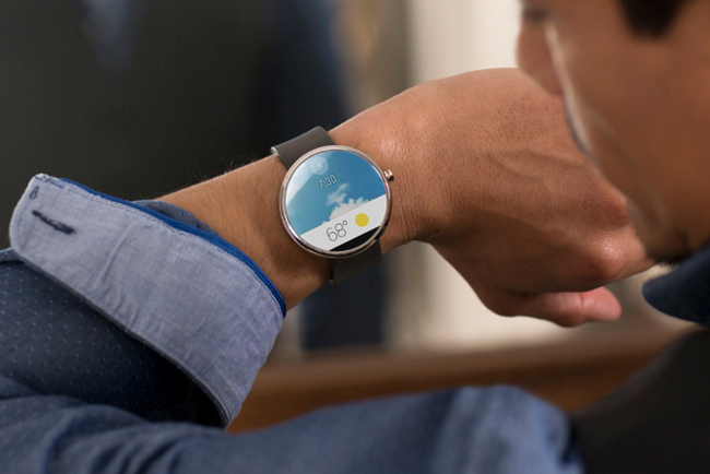 Motorola Moto 360: The First Android Wear Smartwatch