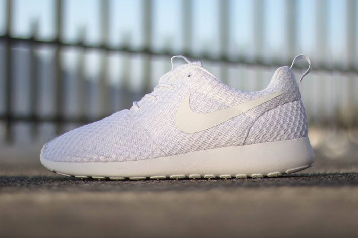 "Nike Roshe Run ""Pure Platinum"""