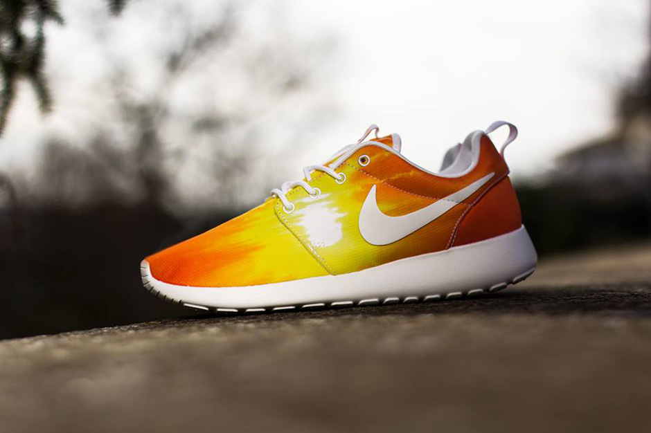 67f02397c1c58 nike roshe run mango sunset exclusive