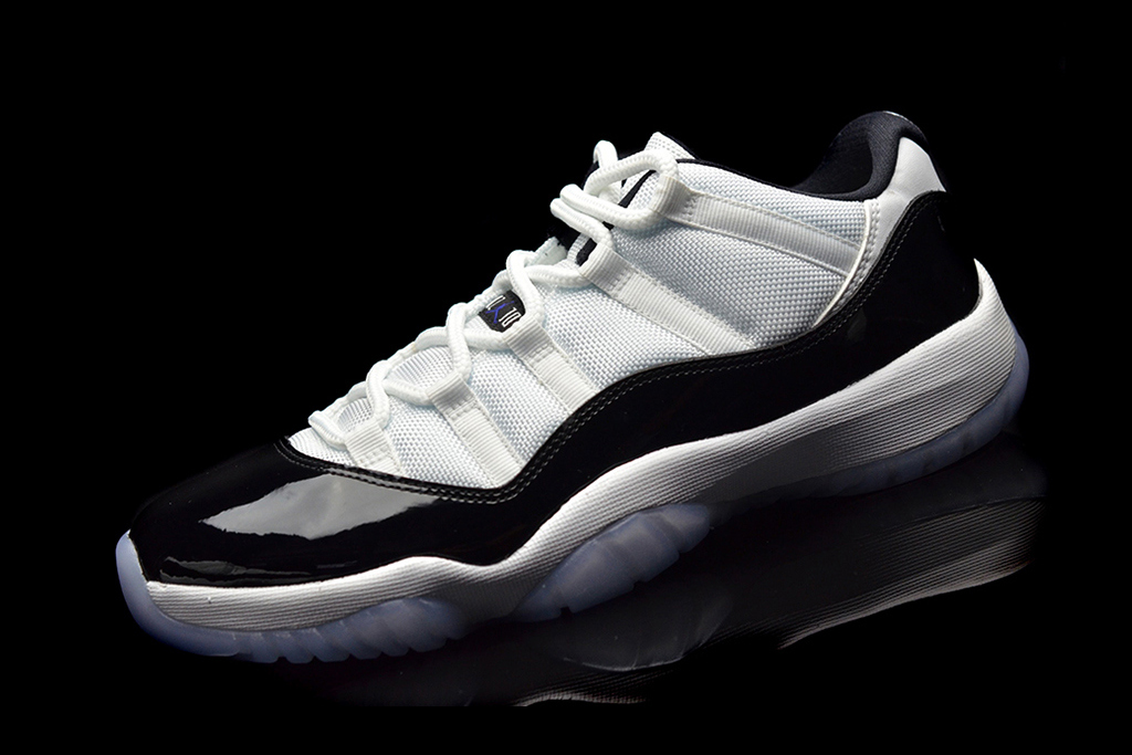 """A First Look at the Air Jordan 11 Low """"Concord"""""""