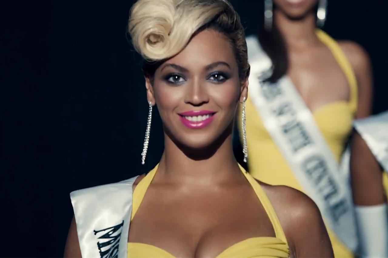 """Beyoncé """"Pretty Hurts"""" Music Video"""