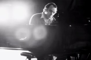 "Chilly Gonzales Breaks Down Drake's ""Hold On, We're Going Home"""